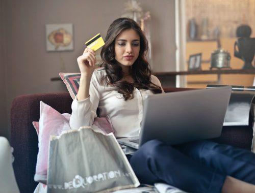 Co Polacy kupują w Internecie